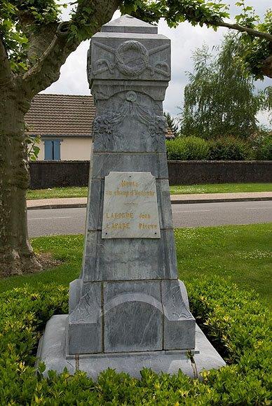 Monument aux Morts de Siros